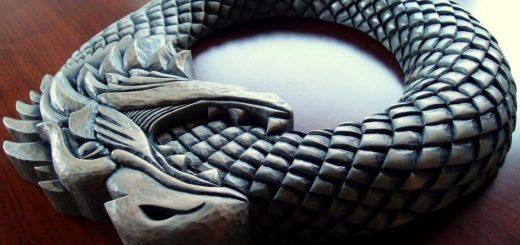 نماد باستانی Ouroboros( آوروبوروس )