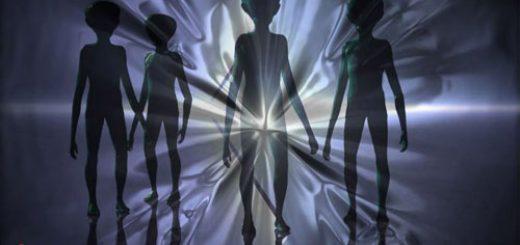 آيا بايد با موجودات فضايي ارتباط برقرار کنيم؟