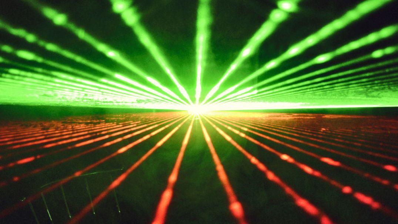 سفر میانستارهای انسان با لیزر