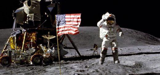 سفر انسان به ماه
