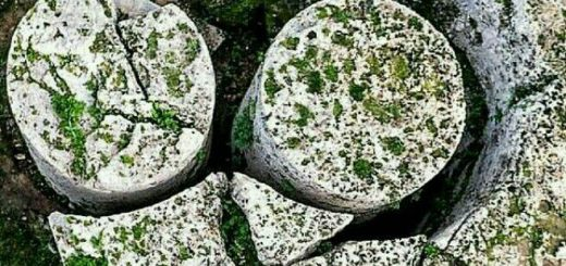 سنگ های ستونی اسرار آمیز در سیسیل ایتالیا