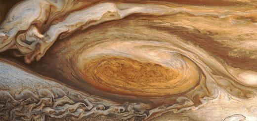 لکه سرخ مشتری با وسعتی در حدود دو و نیم برابر زمین – عکس از کاوشگر گالیله / ناسا