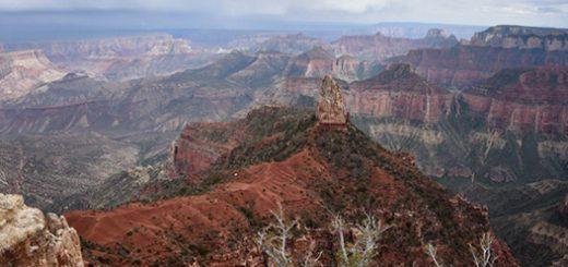 «گرند کنیون»، در ایالت آریزونای آمریکا یکی از مهمترین مناطق گردشگری در ایالات متحده با پنج هزار کیلومترمربع مساحت از میراثهای طبیعی جهان است که در معرض تهدید قرار دارد.