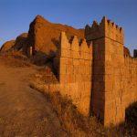 دیوارهای عظیم به جامانده از تمدن نینوا