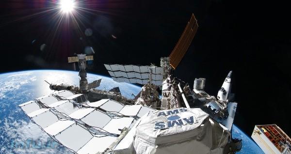 عکس کمنظیر ران گاران از نمای سرتاسری ایستگاه فضایی بینالمللی.