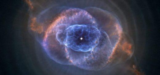 سحابی سیارهنمای «چشم گربه» در صورت فلکی اژدها، نمونهای کلاسیک از سحابیهای سیارهنمای پیچیده است. عکس از تلسکوپ فضایی هابل