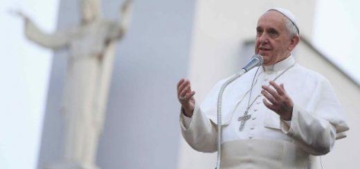 پاپ فرانسیس ۷۸ ساله پیام محیط زیستی خود را در قالب نامه تعالیم که یک سند تاریخی است منتشر کرد