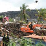 ساکنان منطقه آسیب دیده عمدتاً در حلبیآبادهای اطراف این کوه زباله ۹۱ متری زندگی میکردند
