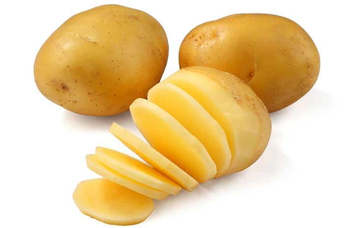 درمان جوش سرسیاه با سیب زمینی