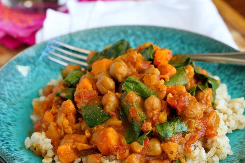 slow-cooker-vegan-chickpea-curry طرز تهیه خورش گیاهی خوشمزه