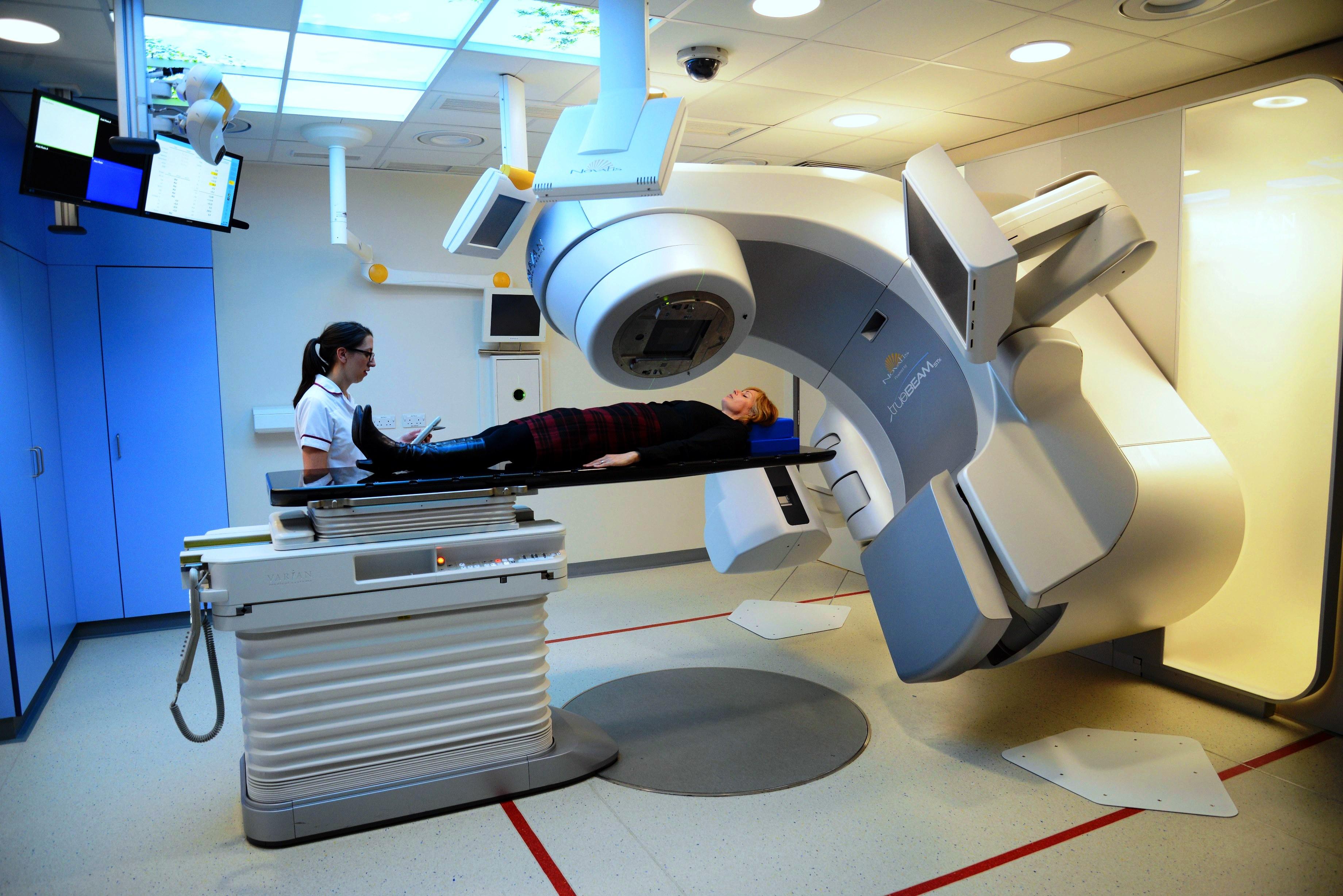 با تغییر رویکرد پرتودرمانی عوارض جانبی در بیماران سرطانی کاهش مییابند
