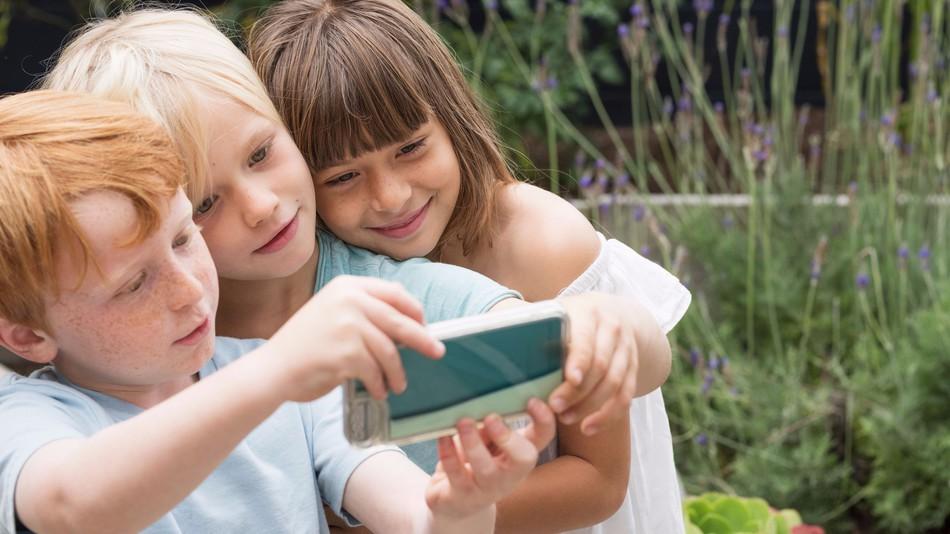 facebook-launches-messenger-kids
