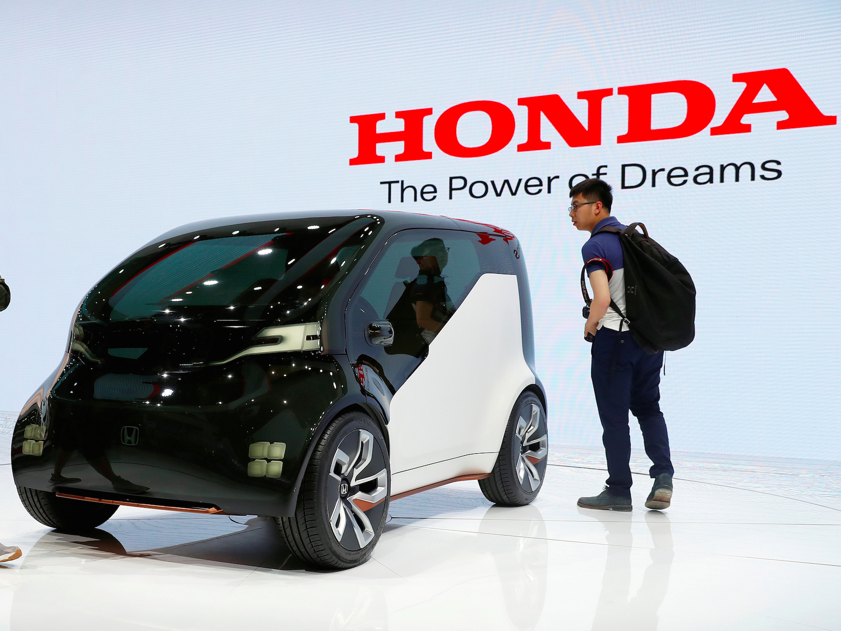 honda-is-firing-back-at-tesla-and-other-automakers-by-rolling-out-2-electric-cars-by-2018