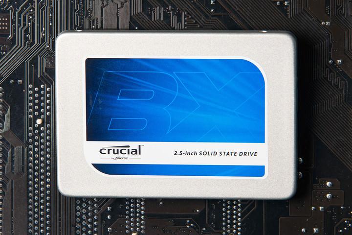 crucial-bx-200-960gb-ssd-hero2-720x720