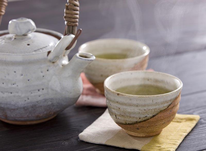از بین بردن سریع نفخ شکم,steaming-tea