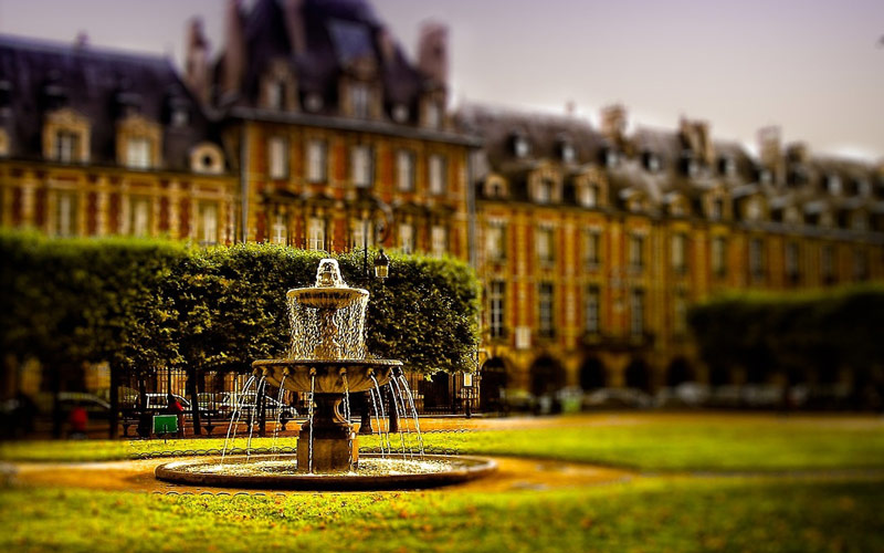 میدان پلاس دو وژ (Place de Vosges) - پاریس