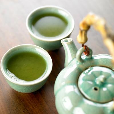 گیاهان دارویی پوست صورت,چای سبز برای محافظت از پوست در برابر نور خورشید