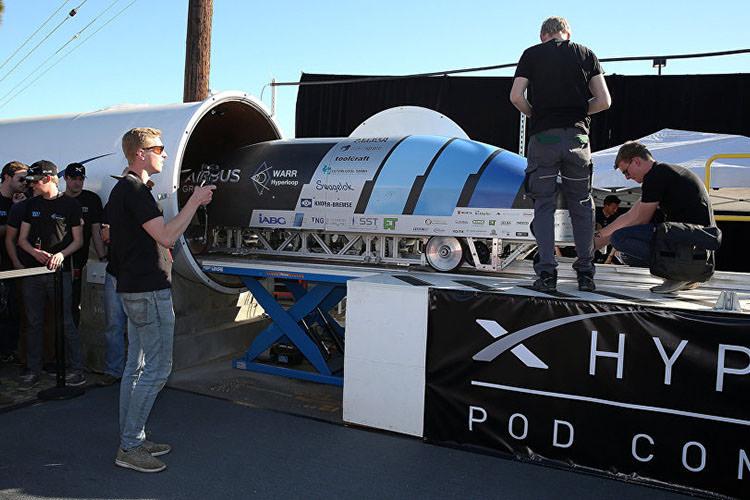 SpaceX Hyperloop Pod / پاد هایپرلوپ اسپیسایکس
