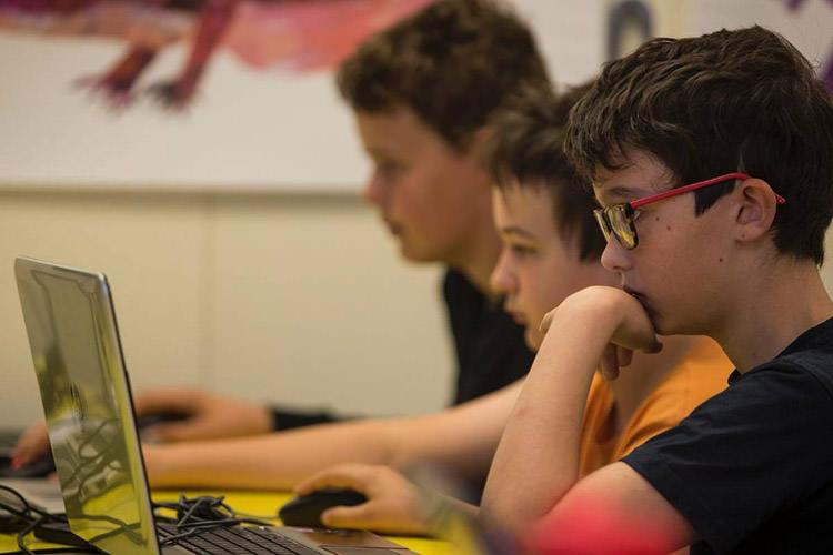 برنامهنویسان جوان / Young Programmers