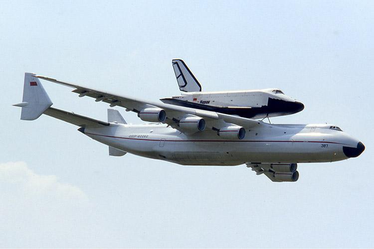 آنتونوف -۲۲۵ و مدارگرد بوران / An-225 and Buran Orbiter