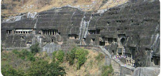غارهای آجانتا در ناحیه اورنگ آباد